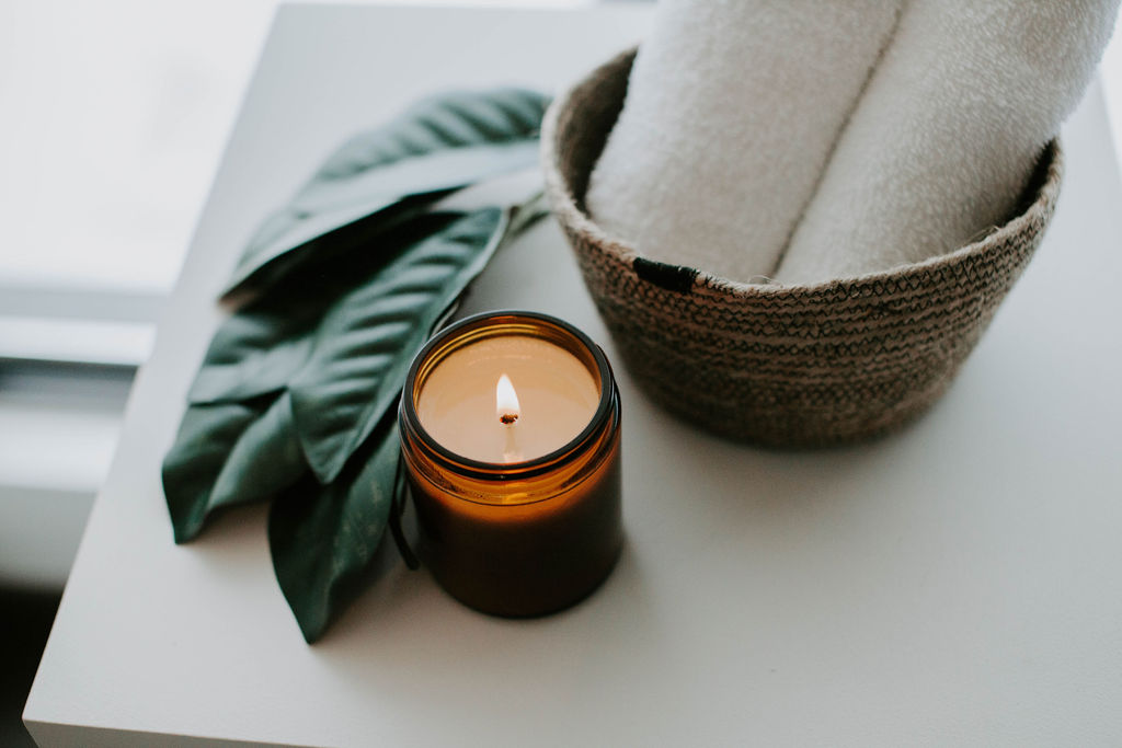 candle with towels